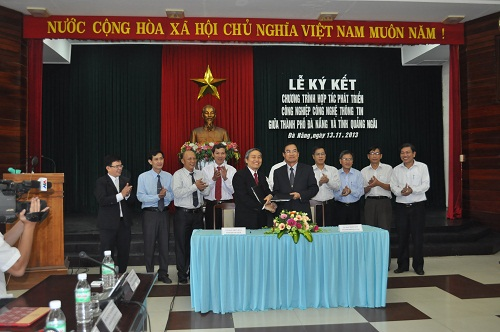 Ký kết hợp tác CNTT giữa Quảng Ngãi và Thành phố Đà Nẵng.jpg